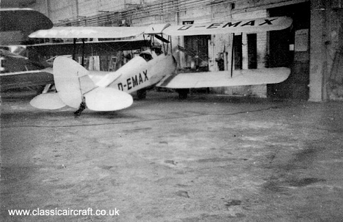 De Havilland Tiger Moth photo
